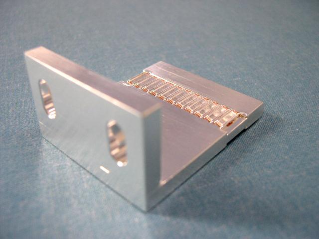 リチウムイオンバッテリー 充電設備用コネクタ