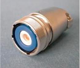 ケース製作コストを削減する為、 他社信号用多極コネクタを改造し 大電流100A/dc用にした例